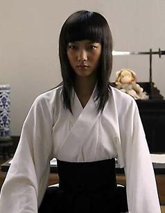 刚刚看了一个日本女军官切腹视频,好恶心,我头疼,是不