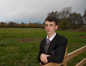 14岁男孩白手起家赚1700万 网友惊呆